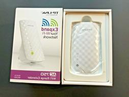TP-Link RE200 AC750 Wireless WiFi Range Extender Repeater Booster NEW!